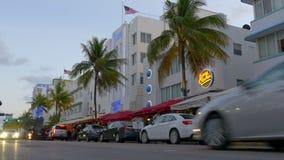 Tráfego sul 4k EUA da rua da movimentação do oceano da praia de Florida miami filme