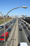 Tráfego Toronto da via expressa Fotos de Stock Royalty Free