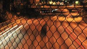 Tráfego urbano borrado - grampo 2 - lapso de tempo video estoque