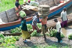 Tráfico comercial a lo largo del lago Kivu Imagen de archivo libre de regalías