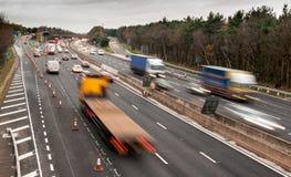 Tráfico de autopista M6, Inglaterra Imagenes de archivo