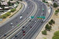 Tráfico de la autopista sin peaje Imagen de archivo libre de regalías