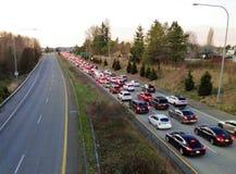 Tráfico de la autopista sin peaje en la frontera imagenes de archivo