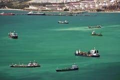 Tráfico de la bahía del puerto de Gibraltar Fotografía de archivo