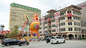 Tráfico de la calle de Chinatown en el distrito de Chinatown, Singapur Fotos de archivo