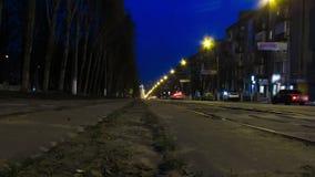 Tráfico de la calle de la ciudad y lapso de tiempo de luces metrajes