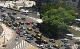 Tráfico de la hora punta, taxis, visión aérea Imagen de archivo libre de regalías