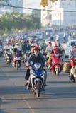 Tráfico de la mañana de Saigon, Vietnam Foto de archivo