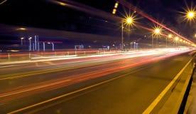 Tráfico de la noche Fotos de archivo libres de regalías