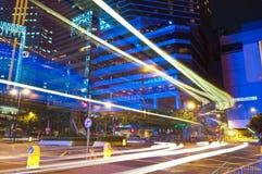 Tráfico de la noche de la ciudad Imagen de archivo libre de regalías