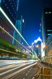 Tráfico de la noche de la ciudad Foto de archivo libre de regalías