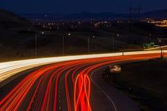 Tráfico de la noche en Lakewood, Colorado Foto de archivo libre de regalías