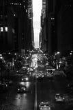 Tráfico de Nueva York, en la oscuridad Fotografía de archivo libre de regalías