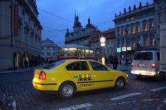 Tráfico de Praga Imágenes de archivo libres de regalías