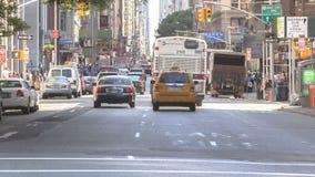 Tráfico de Timelapse en Broadway metrajes