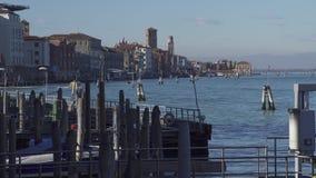Tráfico del barco de Venecia en la laguna almacen de metraje de vídeo