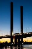 Tráfico del puente de Bolte en la oscuridad Foto de archivo