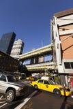 Tráfico del taxi de NYC por la estación de autobúses de Port Authority Imagen de archivo libre de regalías