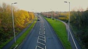 Tráfico diurno Timelapse, manera de Manvers, Wath sobre Dearne, Rotherham, South Yorkshire, Reino Unido almacen de metraje de vídeo