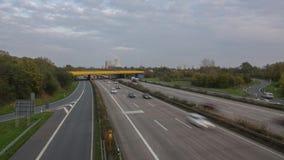 Tráfico en el autobahn A2 en Hannover Timelapse almacen de video