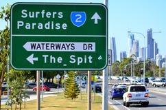 Tráfico en el paraíso Australia de las personas que practica surf Imágenes de archivo libres de regalías