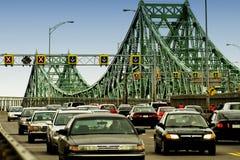 Tráfico en el puente Foto de archivo libre de regalías