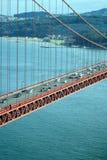 Tráfico en el puente de puerta de oro Imagenes de archivo