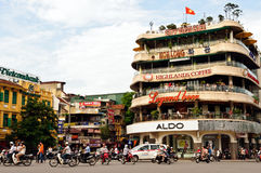 Tráfico en Hanoi imagen de archivo libre de regalías