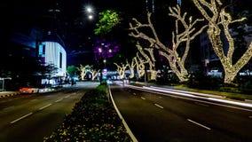 Tráfico en la ciudad Time lapse de la avenida 4K, noche Circulación densa que fluye con el movimiento borroso oscuridad almacen de metraje de vídeo