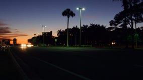 Tráfico en la ciudad Time lapse de la avenida, noche  almacen de video