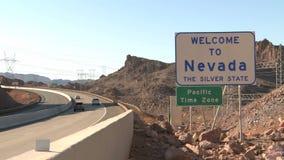 Tráfico en Nevada Sign almacen de video
