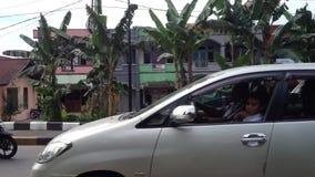 Tráfico en Pontianak almacen de metraje de vídeo