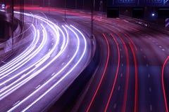 Tráfico en una autopista sin peaje Imagen de archivo