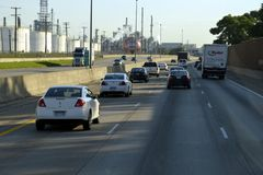 Tráfico en una carretera imagenes de archivo