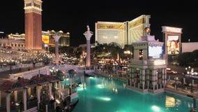 Tráfico fuera del casino de Vegas - lapso de tiempo - clip 1 almacen de video
