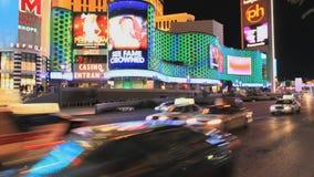 Tráfico fuera del casino de Vegas - lapso de tiempo - clip 3 almacen de metraje de vídeo