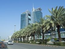 Tráfico ligero en la calle de Tahlia en Riad, fotos de archivo libres de regalías