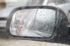 Tráfico lluvioso del tiempo Fotografía de archivo