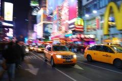Tráfico ocupado en el Times Square de New York City Foto de archivo libre de regalías