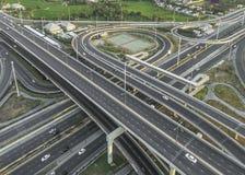 Tráfico por carretera en ciudad en Tailandia imagen de archivo