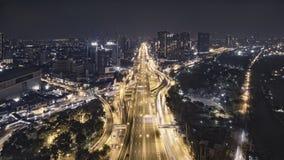 Tráfico por carretera en ciudad en Tailandia fotos de archivo