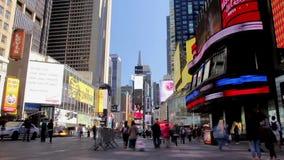 Tráfico turístico en el Times Square del timelapse de Nueva York metrajes