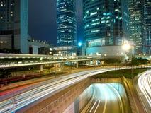 Tráfico urbano en la noche Imagen de archivo libre de regalías