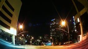 Tráfico y horizonte de Los Ángeles en la noche almacen de metraje de vídeo