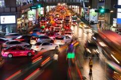 Trânsito intenso em Siam Square, Banguecoque, Tailândia Fotos de Stock