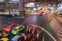 Trânsito intenso em Siam Square, Banguecoque, Tailândia Foto de Stock Royalty Free