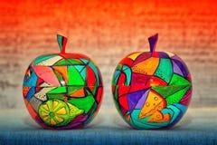Trääpplen, samtida konst arkivfoto