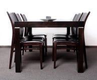 trääta middag färdig modern tabell Fotografering för Bildbyråer