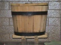 Trä bada i ett bad arkivbild