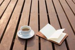 trä för kaffekopp Arkivfoton